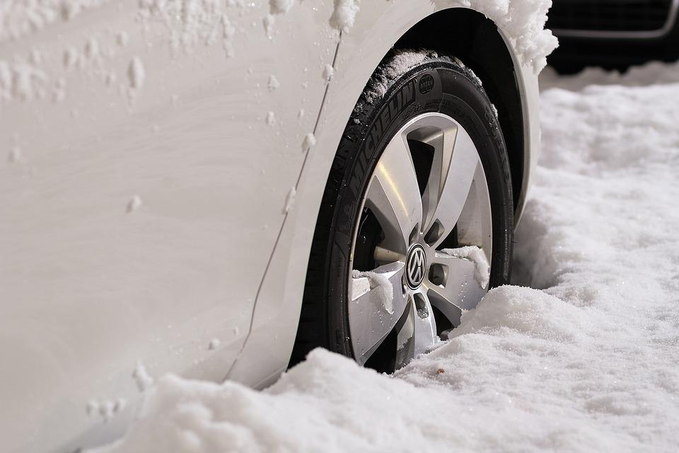 neige voiture